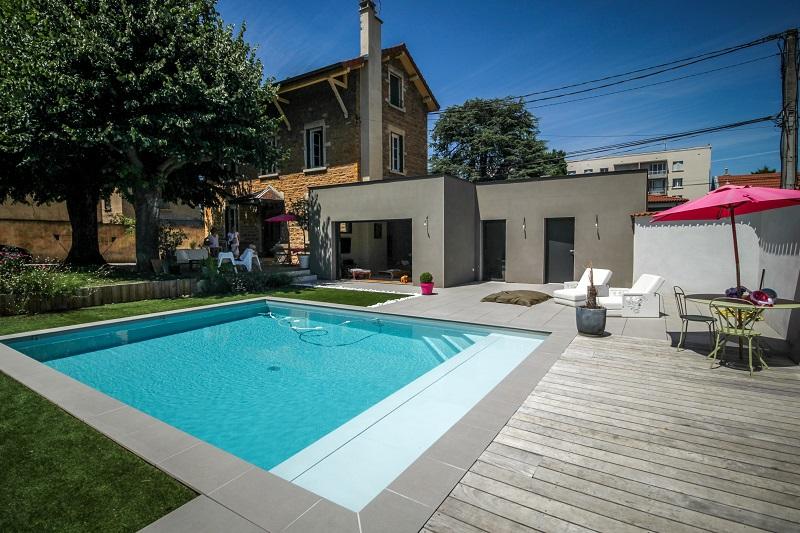 Piscine urbaine vert et bleu piscine for Piscine urbaine
